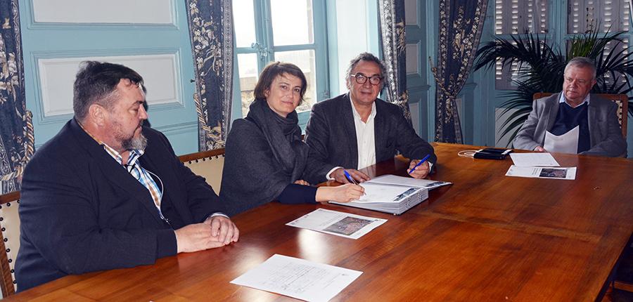 La Ville de Saint-Flour signe une convention avec l'Établissement Public Foncier (EPF) Smaf-Auvergne pour maîtriser le foncier et être réactive aux opportunités