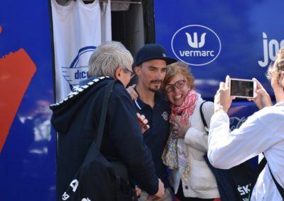 Julian Alaphilippe avec ses fans
