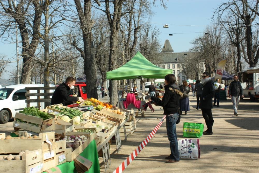 le premier marché encadré s'est tenu sur les allées Pompidou