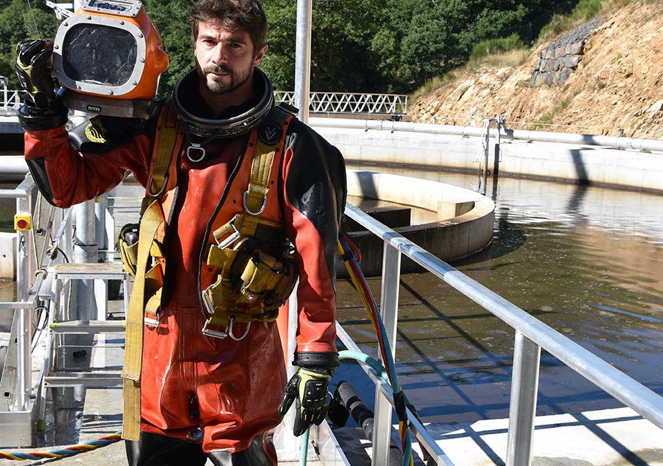 Intervention d'un plongeur à la station d'épuration de Saint-Flour