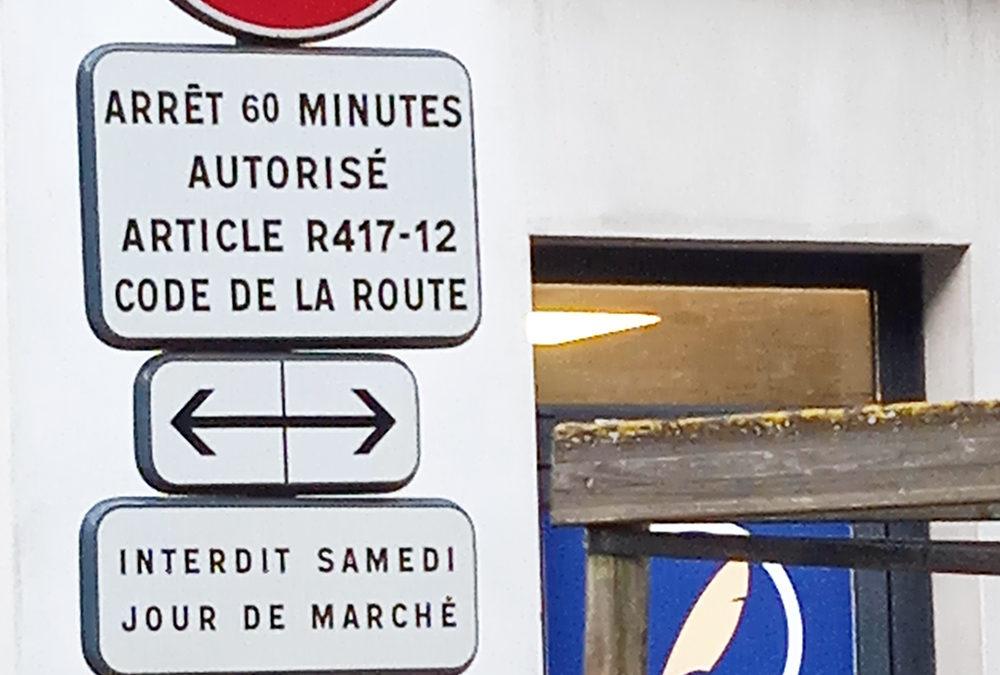 Rappel de la réglementation du stationnement le samedi matin, jour du marché hebdomadaire